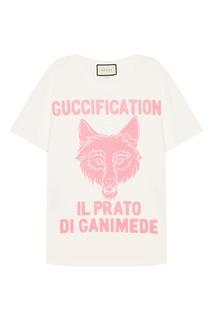 Белая футболка с принтом и надписью Gucci