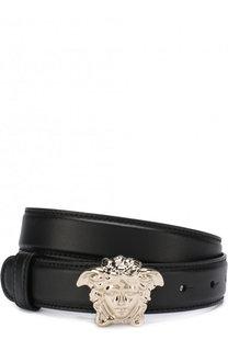 Кожаный ремень с фигурной металлической пряжкой Versace