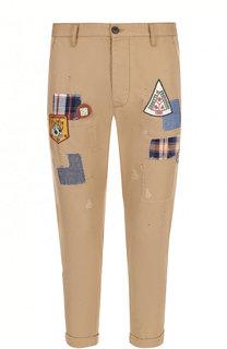Хлопковые брюки с потертостями и нашивками Dsquared2