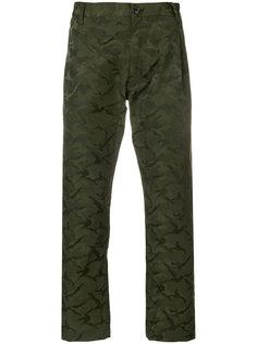 укороченные брюки с камуфляжным узором Comme Des Garçons Shirt Boys