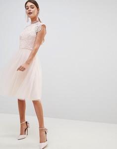 Платье миди 2 в 1 с кружевным топом и юбкой из тюля Chi Chi London - Розовый