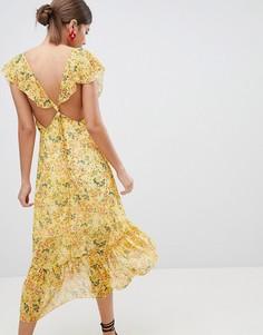 Платье миди с цветочным принтом и завязкой на спине PrettyLittleThing - Желтый