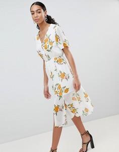 Платье миди с цветочным принтом на пуговицах Missguided - Белый