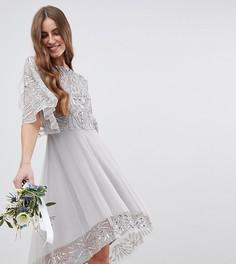 Платье миди с асимметричным краем, кейпом и пайетками Maya Tall Bridesmaid - Серый