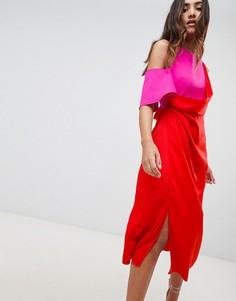 Атласное платье миди в стиле колор блок ASOS DESIGN - Красный