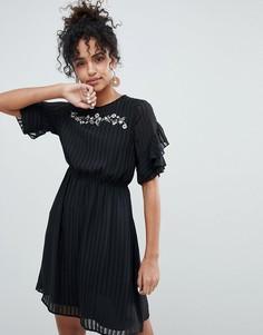 Плиссированное платье с оборками New Look - Черный