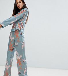 Атласная пижама с принтом птиц ASOS DESIGN Tall Premium - Мульти