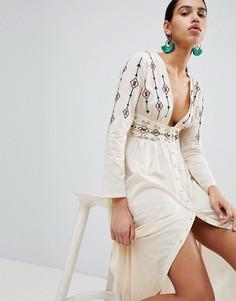 Платье макси с вышивкой и пуговицами Boohoo - Бежевый