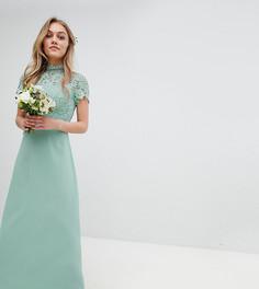 Платье макси 2-в-1 с высоким воротом и кружевом кроше Chi Chi London Petite - Зеленый