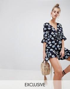 Платье с цветочным принтом Boohoo - Синий