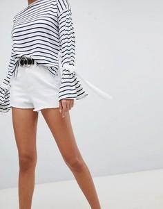 Джинсовые шорты с завышенной талией PrettyLittleThing - Белый