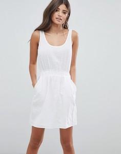 Платье мини в стиле casual в фактурную клетку ASOS DESIGN - Белый