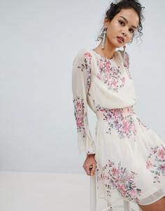 Платье мини с высоким воротником и цветочным принтом Miss Selfridge - Черный
