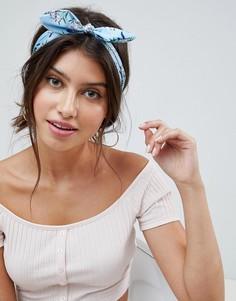 Повязка на голову с цветочным принтом и декоративным узлом ASOS DESIGN - Синий