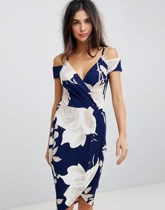 Платье-футляр с открытыми плечами и цветочным принтом AX Paris - Темно-синий