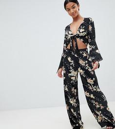 Широкие брюки с цветочным принтом New Look Petite - Черный