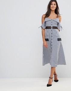 Платье миди в клетку с вырезами на плечах Millie Mackintosh Covent - Синий