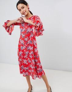 Платье миди с рукавами клеш и цветочным принтом Traffic People - Красный
