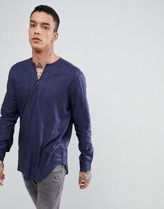 Рубашка классического кроя из вискозы в горошек с V-образным вырезом ASOS DESIGN - Темно-синий