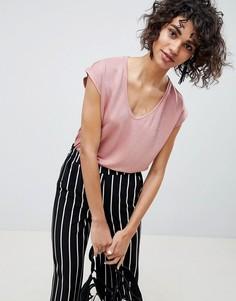 Атласная футболка с V-образным вырезом Pieces - Розовый