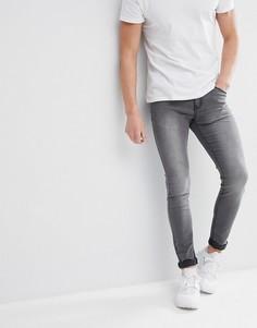 Серые супероблегающие джинсы Liquor N Poker - Серый