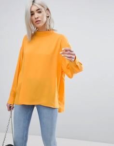 Шифоновая блузка с высоким воротником и складками на спине Weekday - Оранжевый