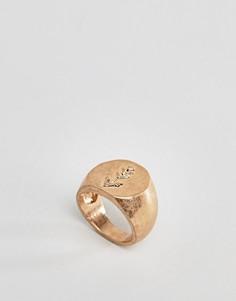 Золотистое кольцо-печатка с гравировкой DesignB London - Золотой