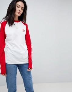 Топ с красными рукавами реглан и тремя полосами adidas Originals adicolor - Красный