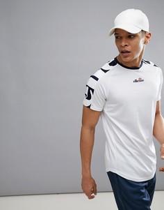 Белая теннисная футболка с большим логотипом на рукаве ellesse - Белый