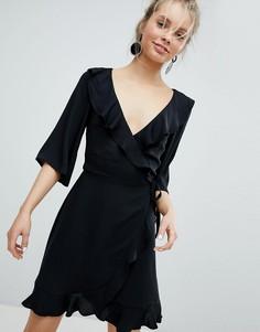Платье с запахом и оборкой Monki - Черный