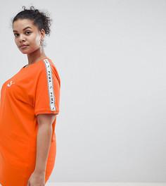 Оранжевая футболка с лентой на рукавах Puma эксклюзивно для ASOS Plus - Оранжевый