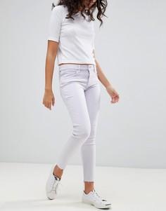 Укороченные джинсы с классической талией и необработанным краем Levis Line 8 - Фиолетовый