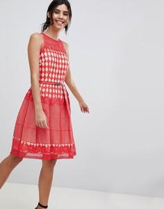 Кружевное платье для выпускного Little Mistress - Красный