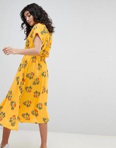 Платье миди с цветочным принтом Weekday - Желтый