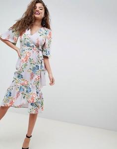 Платье миди с запахом, рукавами кимоно и цветочным принтом ASOS - Мульти