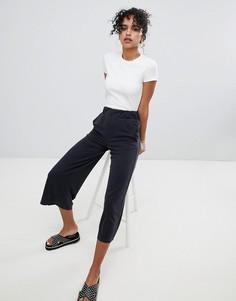 Укороченные брюки с широкими штанинами Monki - Черный