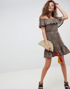 Платье с леопардовым принтом, открытыми плечами и оборками ASOS DESIGN - Мульти
