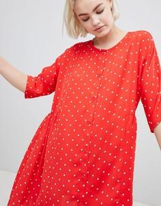 Свободное платье в горошек на пуговицах Monki - Красный
