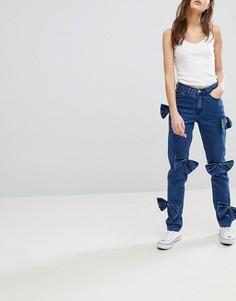 Джинсы в винтажном стиле с бантами Glamorous - Синий