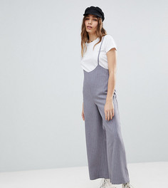 Укороченные брюки в тонкую полоску с подтяжками Reclaimed Vintage Inspired - Серый