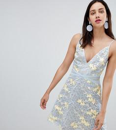 Платье мини для выпускного с глубоким вырезом и цветочным узором Dolly & Delicious - Мульти