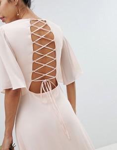 Платье макси с рукавами клеш и шнуровкой на спине TFNC - Розовый