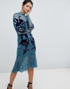 Платье с цветочной аппликацией Hope & Ivy - Синий