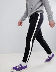 Черные укороченные брюки узкого кроя с непсами и отделкой лентой по бокам ASOS DESIGN - Черный