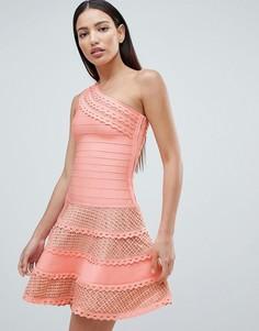 Платье на одно плечо с кружевными вставками Forever Unique - Розовый