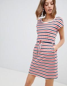 Трикотажное платье в полоску с поясом Vero Moda - Мульти