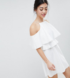 Короткое приталенное платье с высоким воротом и открытыми плечами ASOS DESIGN Petite - Белый
