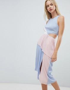 Платье в стиле колор блок с плиссировкой ASOS DESIGN - Мульти