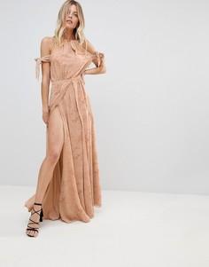 Кружевное платье макси с открытыми плечами и разрезом до бедра The Jetset Diaries Sierra - Розовый