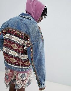 Джинсовая oversize-куртка с принтом на спине и бусинами ASOS DESIGN - Синий